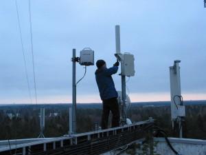 10 GHz majakan ensimmäinen asennuspaikka oli Kauniaisissa OH2RCH naapurina.